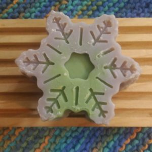 Lav. pine snowflake with holder